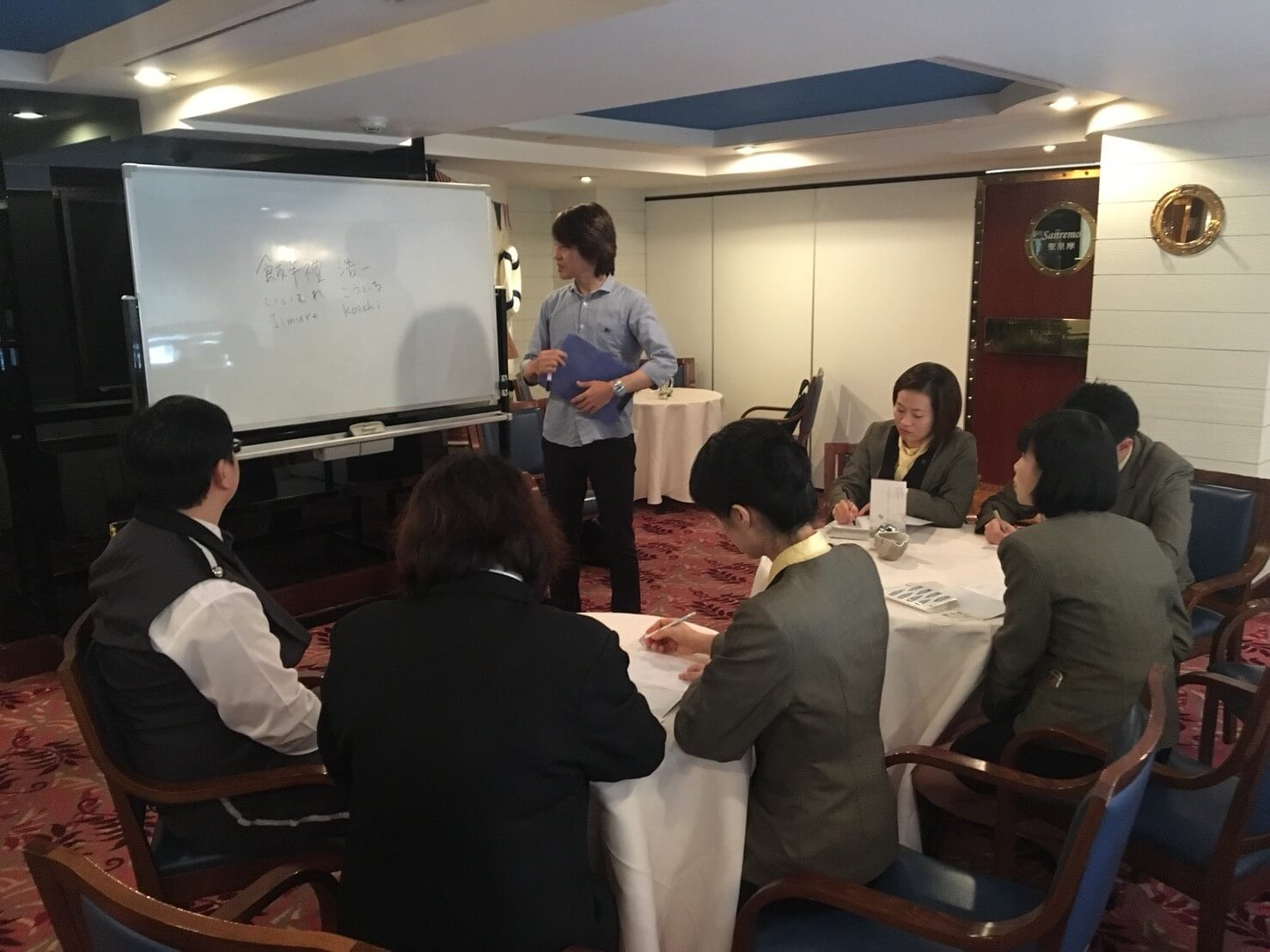 企業外派 企業培訓 英文培訓 群筑英日語 台北英語補習班 學英文 學日文 上班族進修 公司學英文